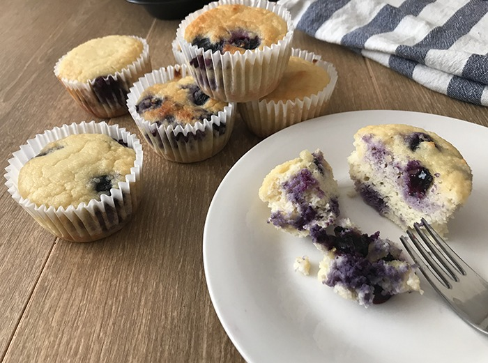 Keto-Blueberry-Yogurt-Cupcakes