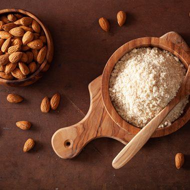 4 Keto Flour Alternatives: Low-Carb Flour Substitutes