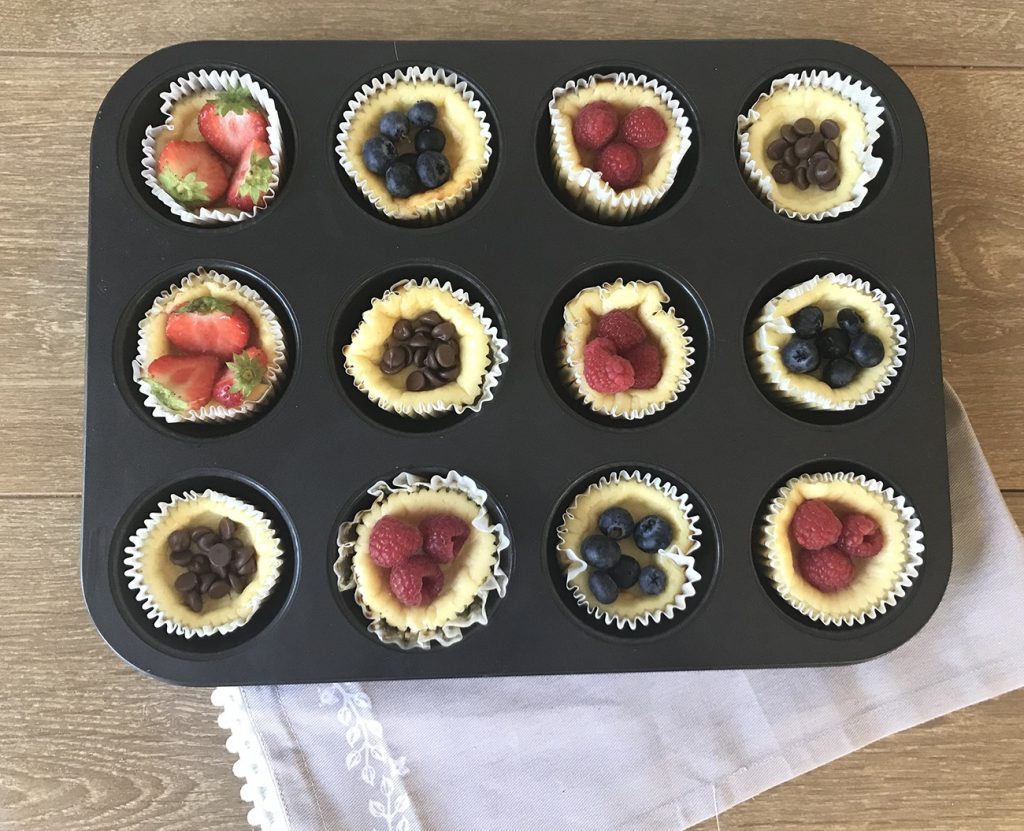 mini keto cheesecakes