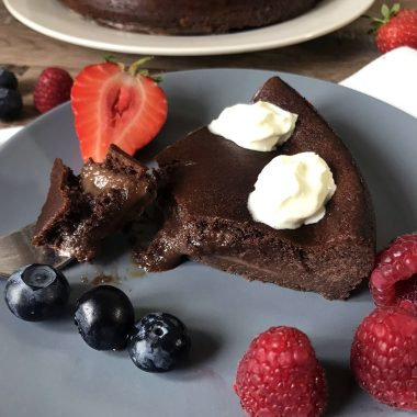 Flourless Low Carb Keto Chocolate Lava Cake Recipe