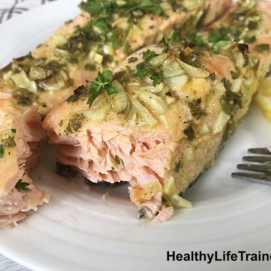 Baked Salmon With Garlic And Parsley