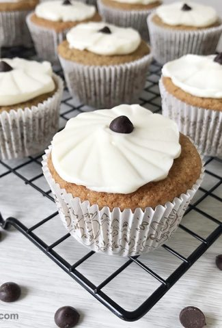 These low-carb keto coffee cupcakes are the best breakfast for a busy morning