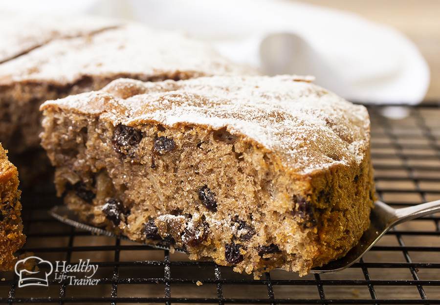 soft and fluffy fruitcake made with dried black currant, raisins and spiced perfectly with cinnamon and mixed herbs.