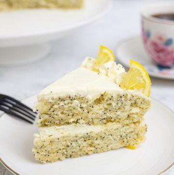 Lemon-Poppyseed-Cake-