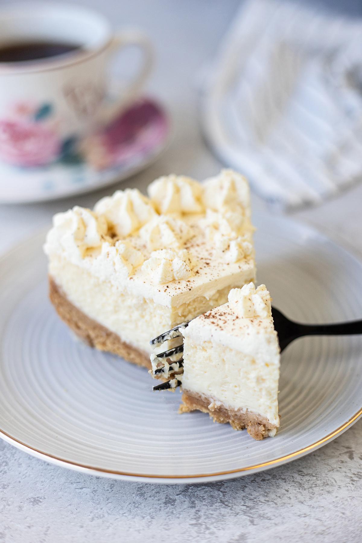 one pice of the cheesecake #eggnogcheesecake #easycheesecakerecipe #easydessertrecipe #eggnogrecipes