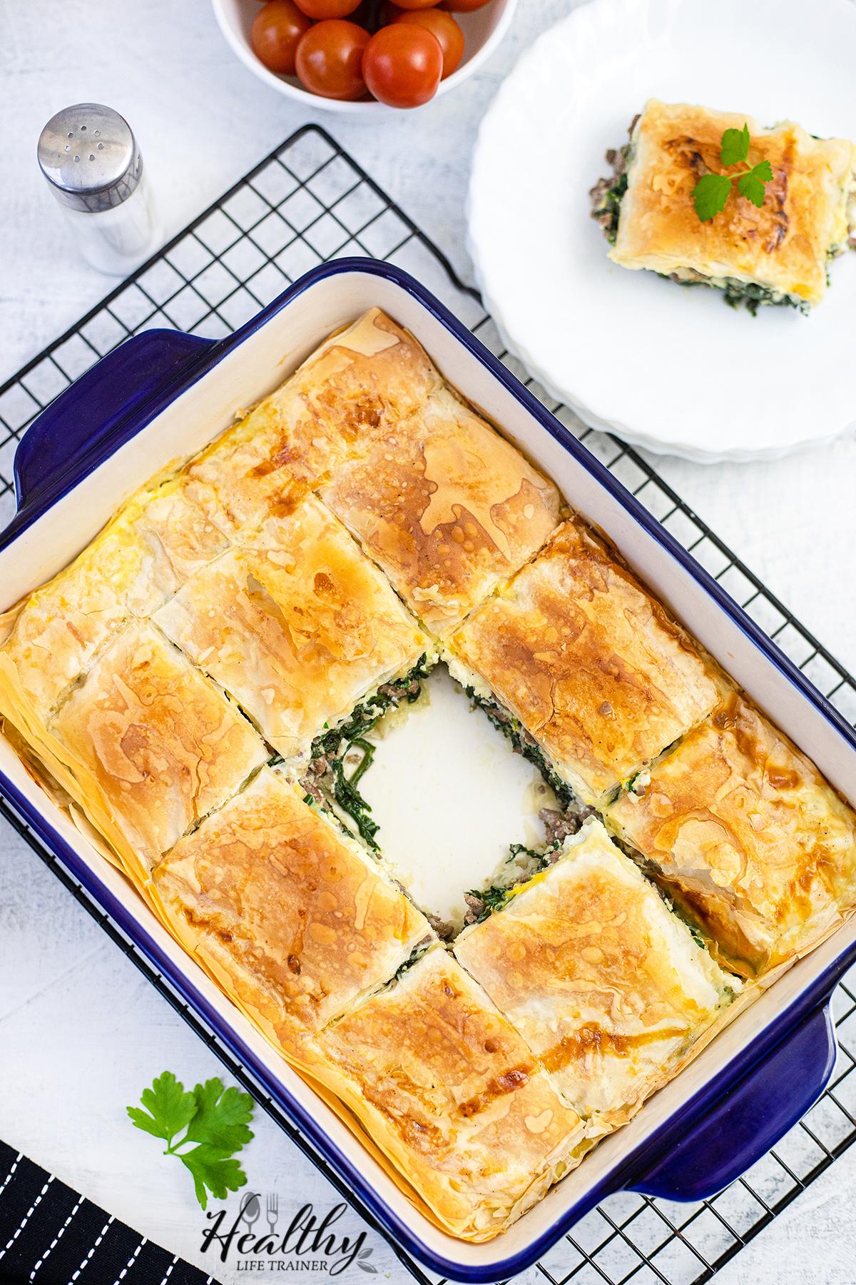 Spanakopita - Spinach Pie #spanakopitarecipe #spanakopitapie #spinachpie #dinnerpie #mediterraneanrecipe