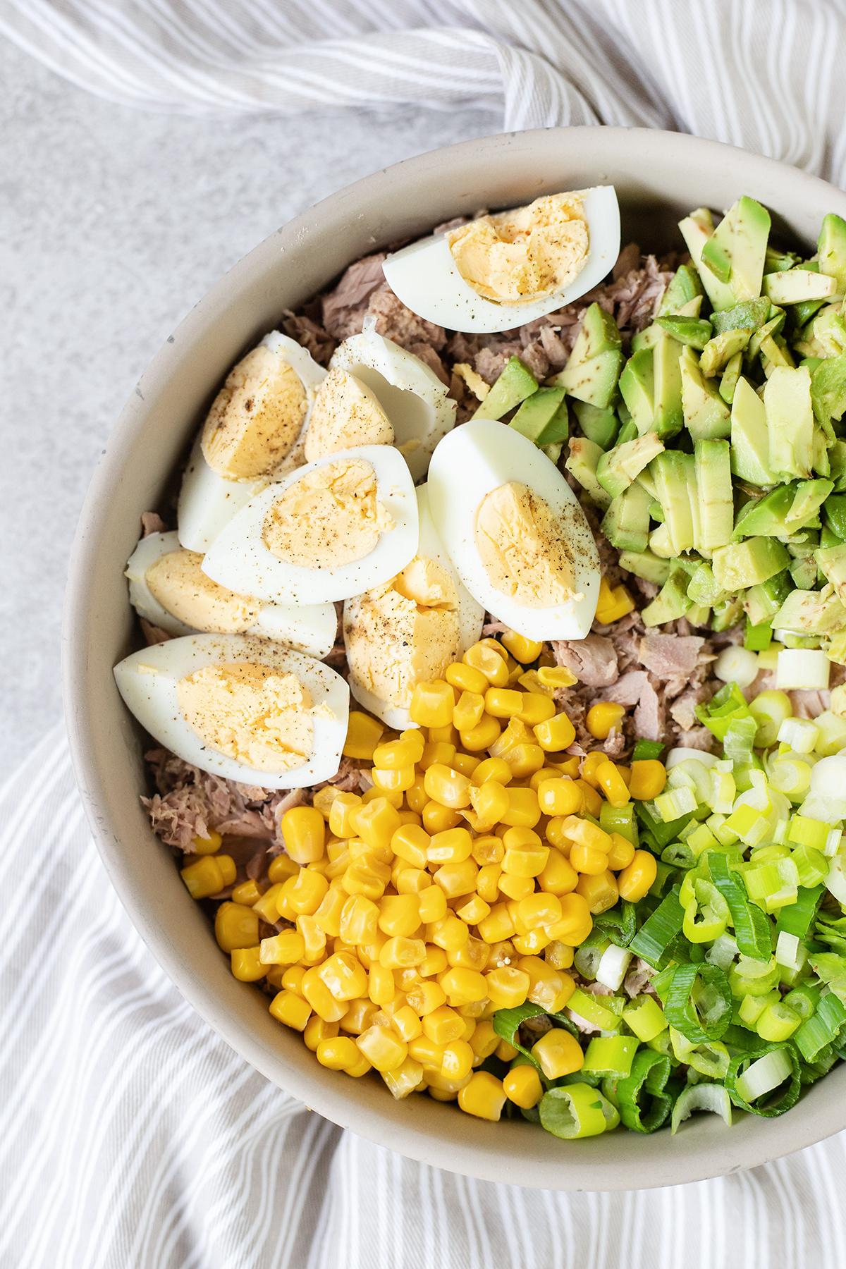 Tuna Avocado Salad #tunaavocadosalad #tunasalad #lunchrecipes #healthyrecipes #easysalad