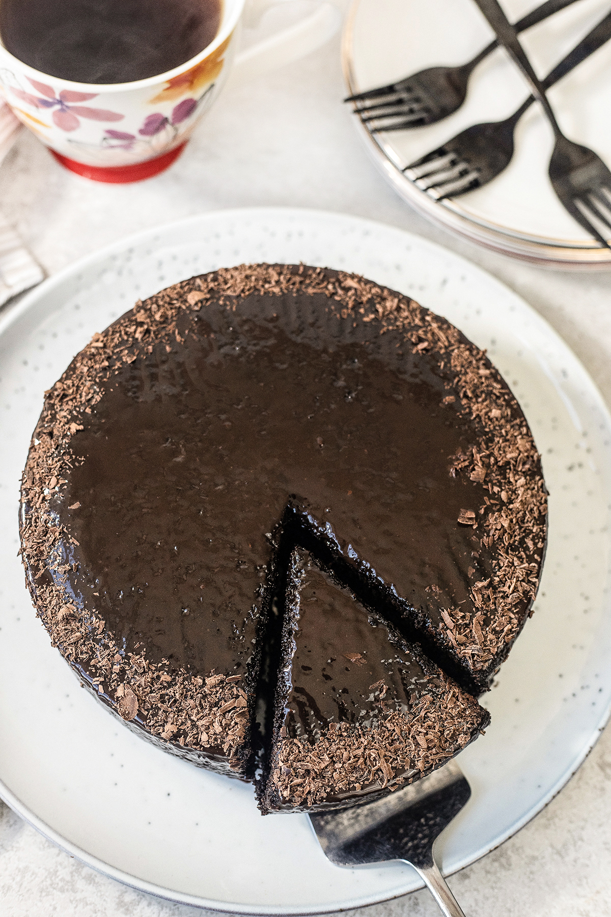 easy chocolate cake that only needs 3 ingredients!