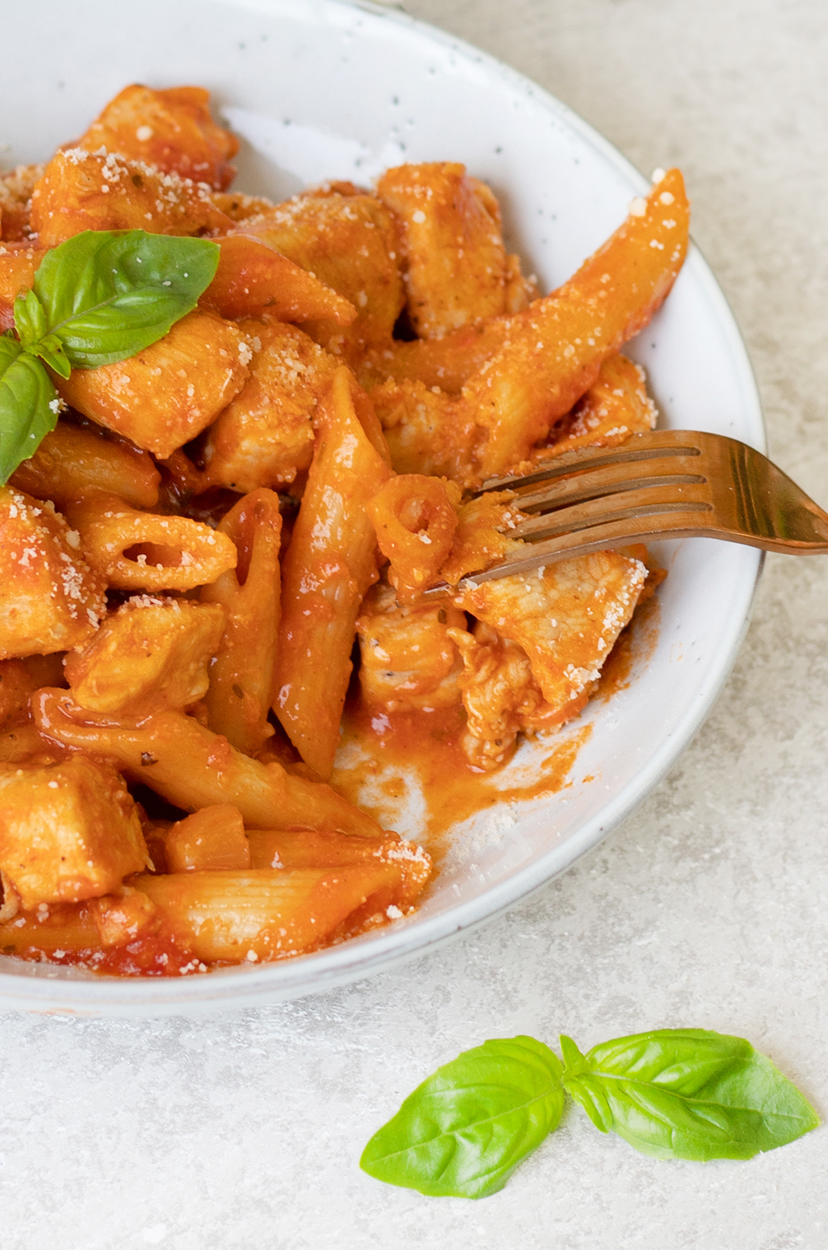 One Pot Chicken Arrabbiata Pasta
