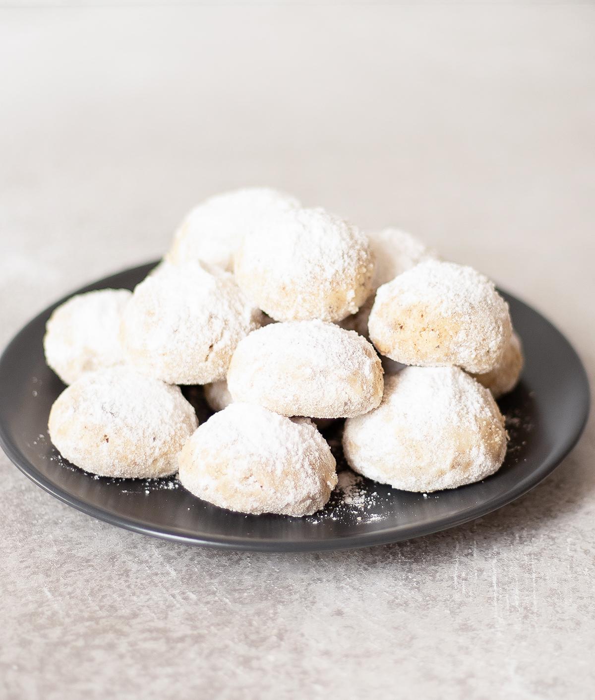 lots of Danish Wedding Cookies