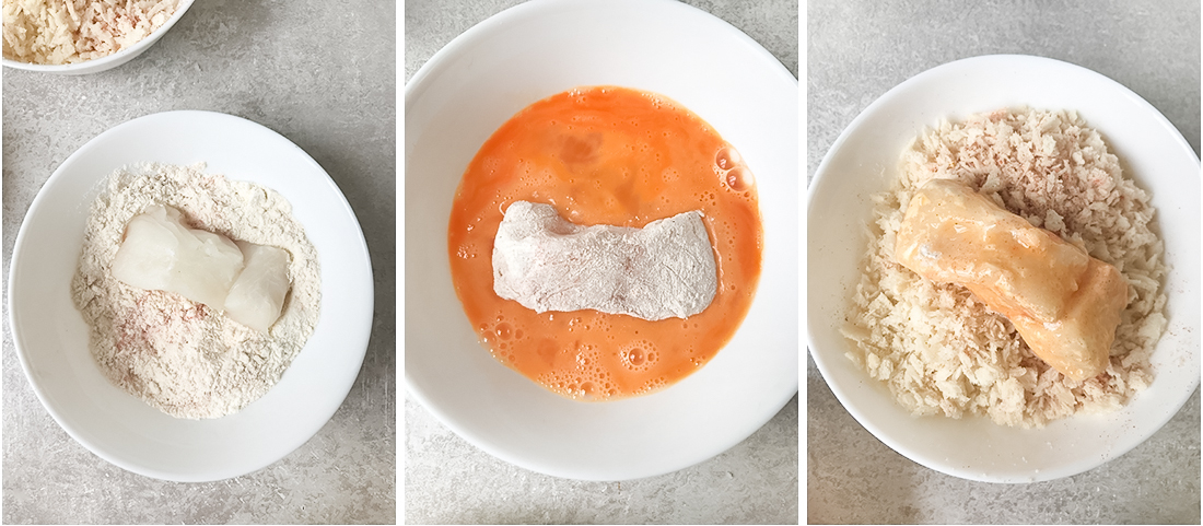 Line up 3 bowls, add in the first one beaten eggs, in the second one, mix the flour with half of the spices.