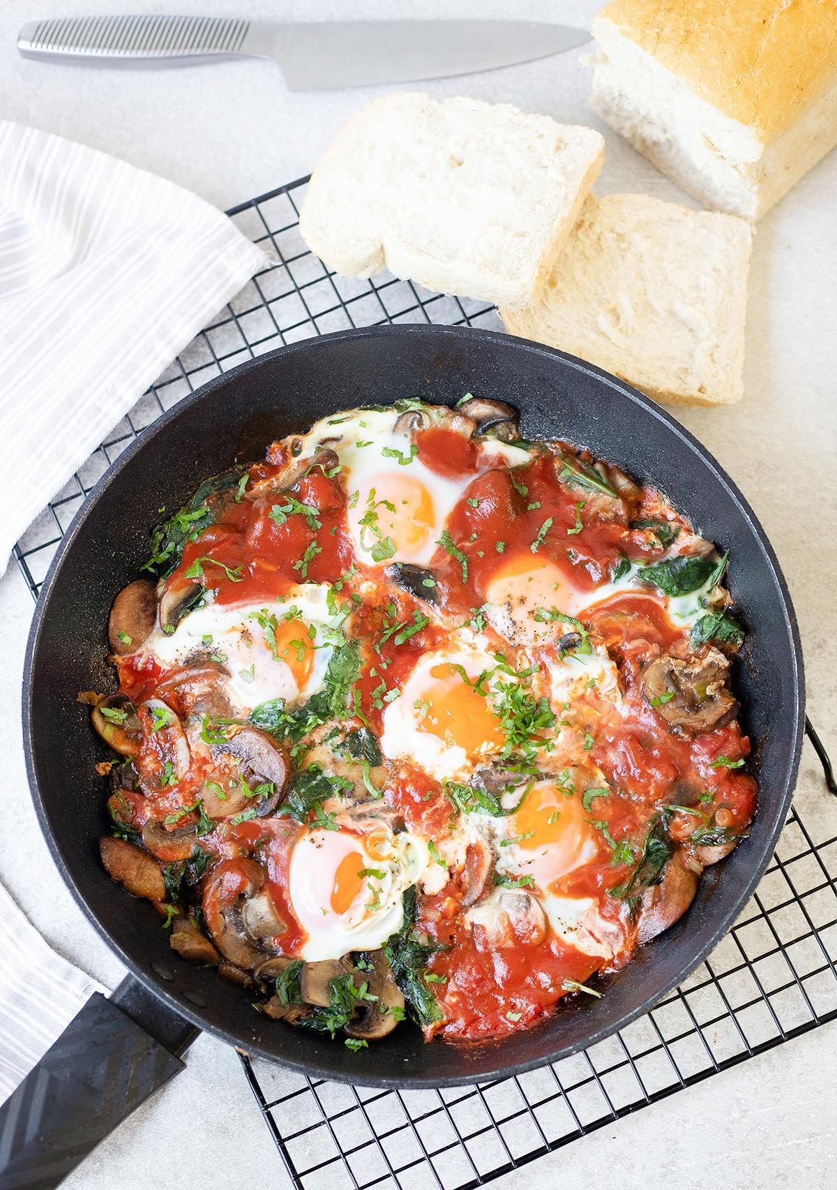 Spinach, Mushroom And Egg Breakfast Skillet